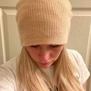 Urban Outfitters Accessories - Brand New Urban Outfitters beanie